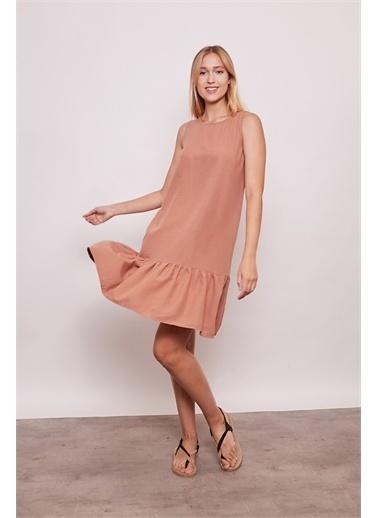 Jument İç Göstermez Viskon Poplin Geniş Sıfır Yaka Kolsuz Eteği Fırfırlı Elbise -Tarçın Kahve